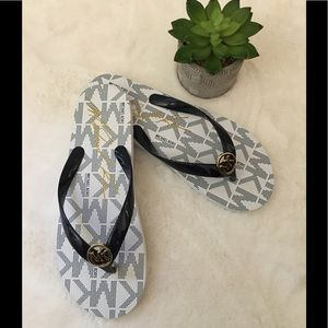NWOB Michael Kors Flip Flop Sandals